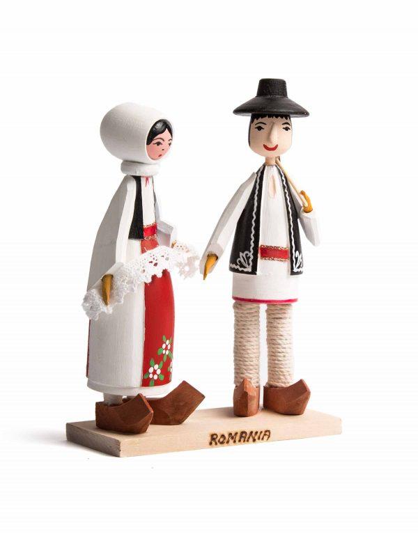 Set_figurine_folclorice_0.jpg