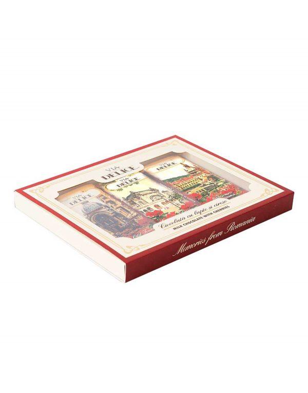 Set_tablete_de_ciocolata_cu_lapte_si_cirese_confiate_-_Via_Delice_4.jpg