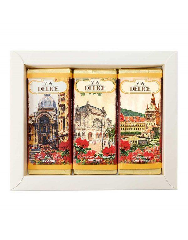 Set_tablete_de_ciocolata_cu_lapte_si_cirese_confiate_-_Via_Delice_5.jpg