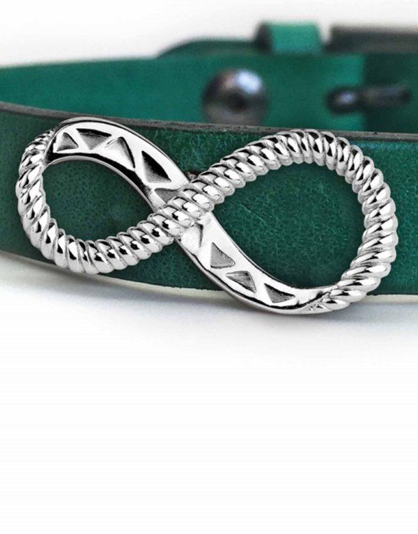 derzes_silver_on_green_1